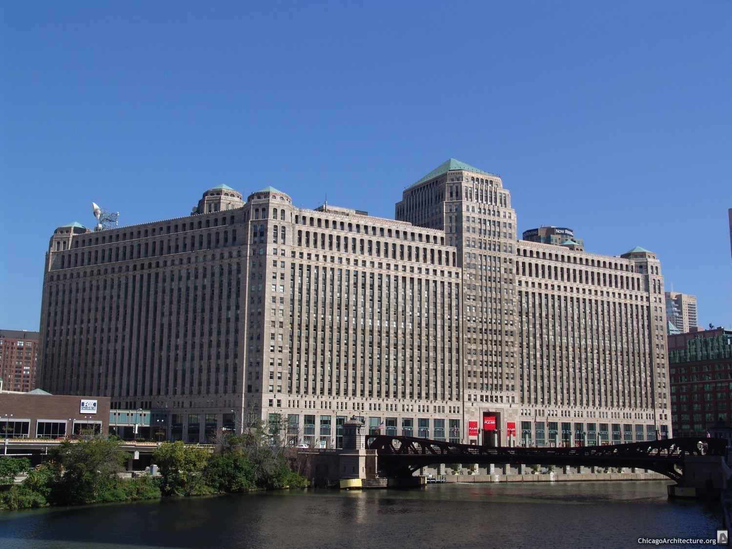 Merchandise Mart - Chicago, Illinois - September, 2004 - 004