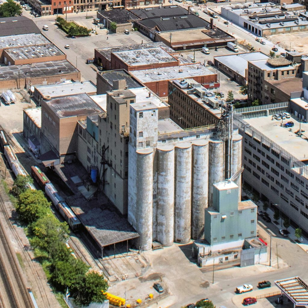 The ADM flour mill at 1300 West Carroll Avenue, before demolition (Courtesy of YoChicago!)